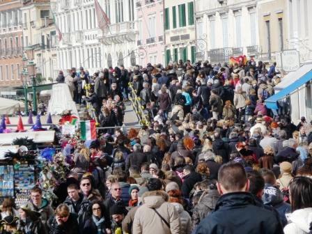 Turismo, il caso Venezia è indifendibile