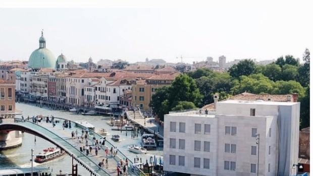 Albergo-cubo, proteste di molti veneziani