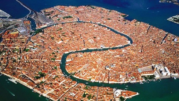 Venezia a rischio, ecco alcuni articoli