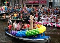 Brugnaro cambia idea sul Gay Pride