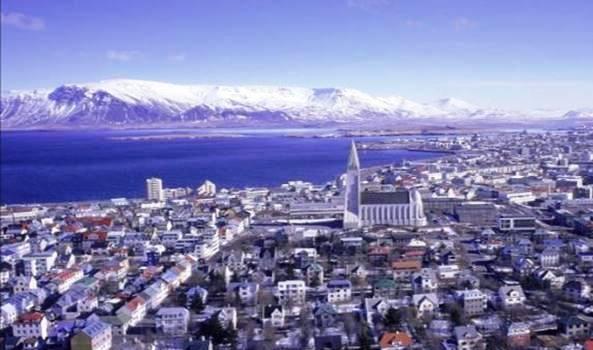 Troppi turisti, l'Islanda corre ai ripari