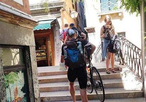 Viva i ciclisti, abbasso i demagoghi!
