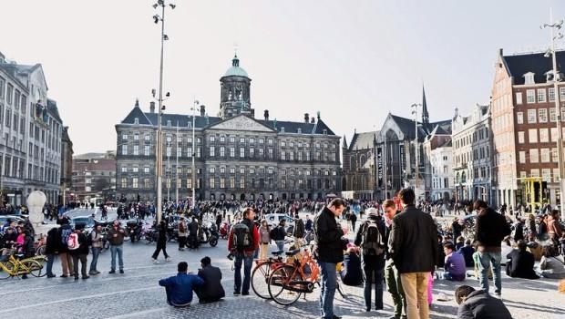 Amsterdam come Venezia, troppo turismo