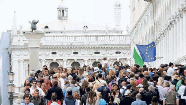 Le proteste ottengono l'effetto opposto, si cercherà di aumentare i flussi turistici