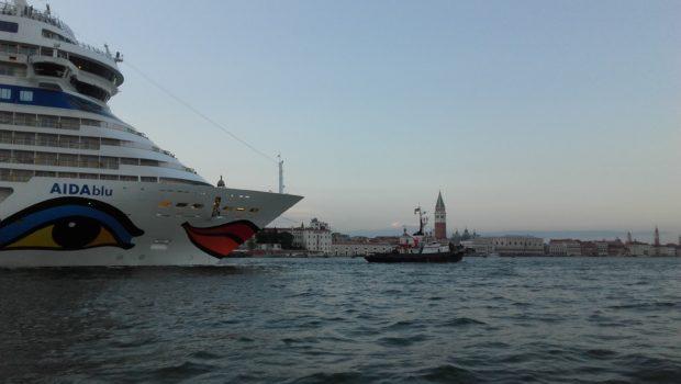 Venezia, 23-24/9/2017: fuori le navi dalla Laguna